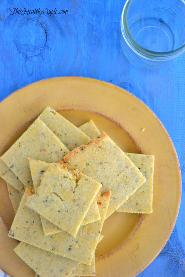 rosemary-almond-flour-crackers-gluten-free