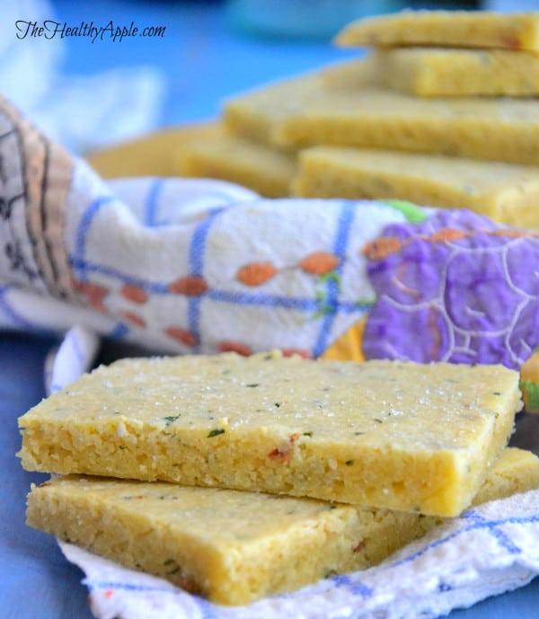rosemary-almond-flour-crackers-recipe