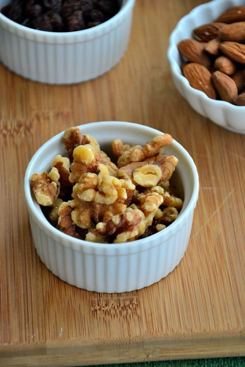 gluten-free-snacks-walnuts